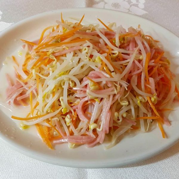 Ensalada de brotes de soja gran pekin ourense