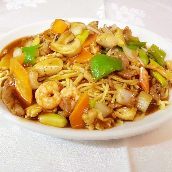 Tallarines especiales de la casa gran pekin ourense